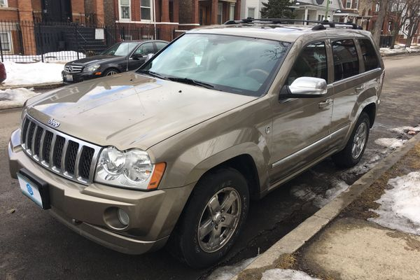 2006 Jeep Grand Cherokee Overland Sport Utility 4D For Sale (122,150 Miles)  | Swap Motors