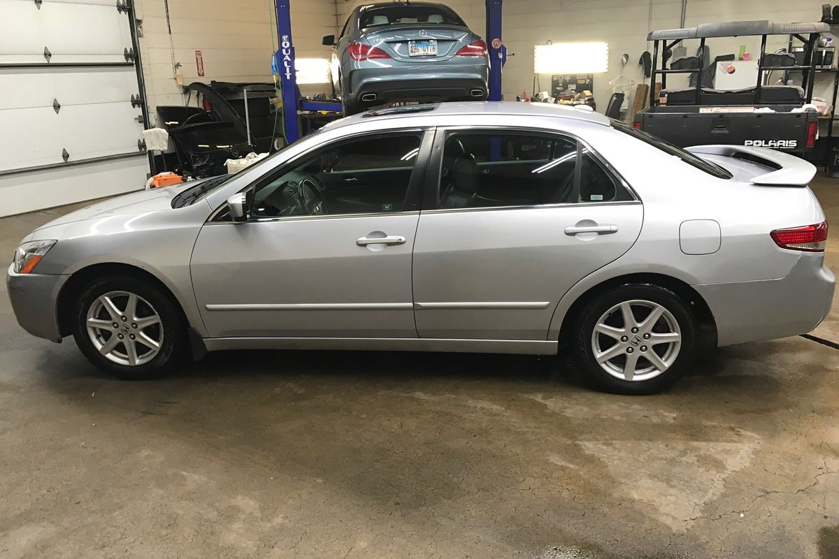 2004 Honda Accord EX-L Sedan 4D for Sale (186,988 miles)   Swap Motors